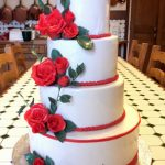 chateau-wedding-cake-roses-rouges-madis-cakes-pamiers