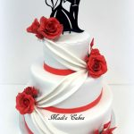 wedding-cake-roses-rouges-madi-cakes